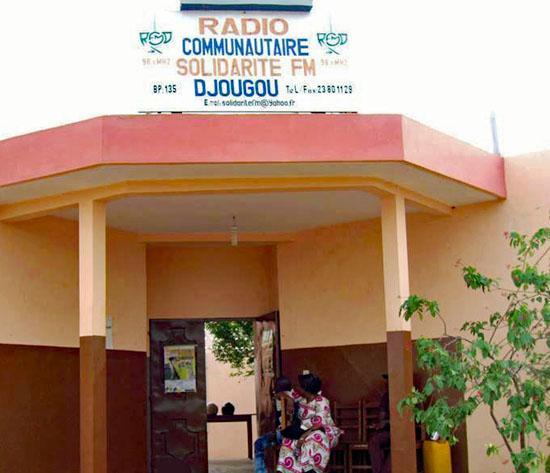 radio-solidarite-djougou-Bénin-enregistrement-emission-ADMAB-2016-projetMutuelles-ESSENTIEL-550px